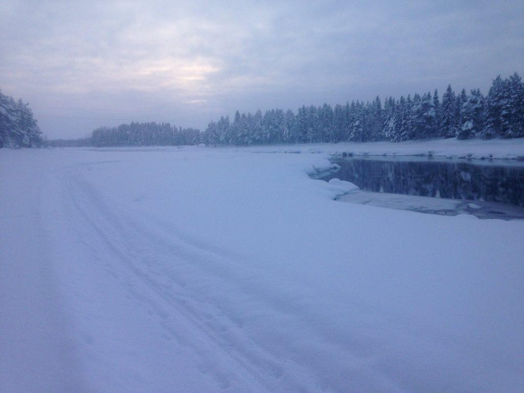 Bräskaforsen i vinterskrud